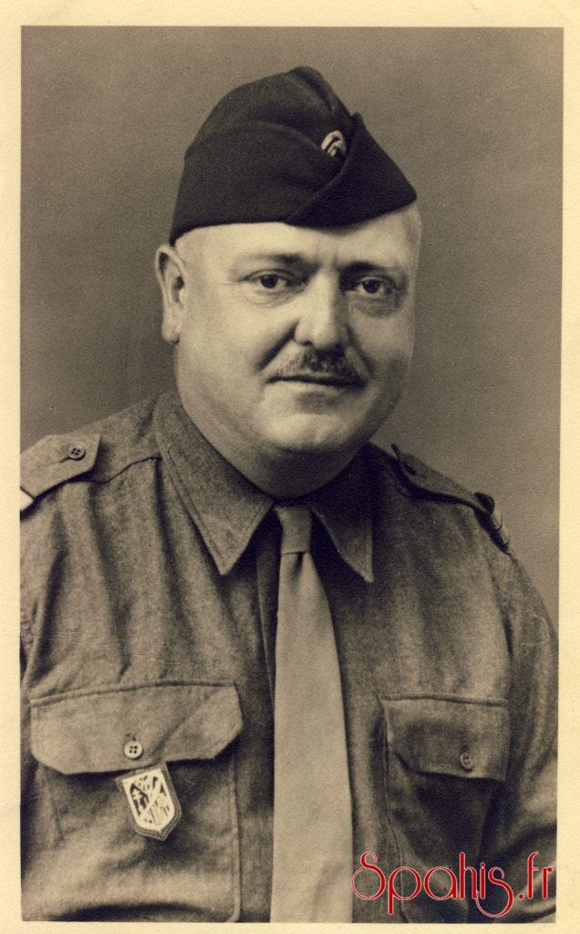 Lieutenant du 7e RSA indication au dos: Forêt Noire juillet 1945.