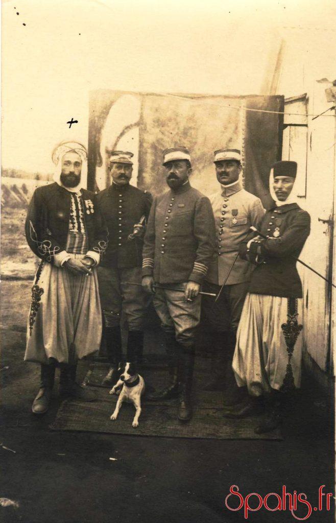 Officiers du 3e Spahis au Maroc