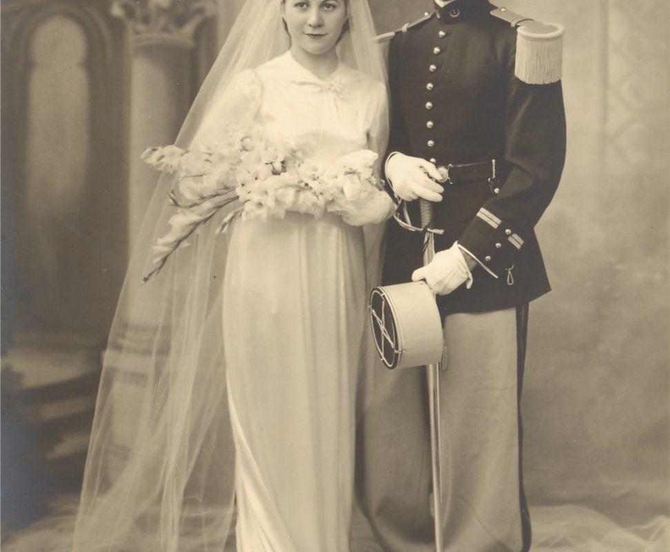 Colonel Teule Spahi - Photo du lieutenant Teule en grande tenue prise lors de son mariage en 1939
